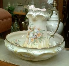 Antique bowl and pitcher. Find the perfect wash stand and you've got a beautiful bedroom accent. ***Got a set :) Sharon Antique Dishes, Antique China, Wash Stand, Ceramic Pitcher, Water Pitchers, Chocolate Pots, Tea Pots, Foot Baths, Bowl Set