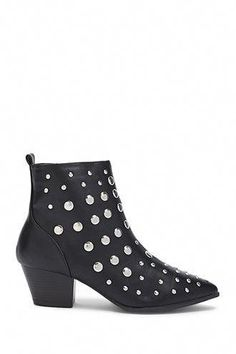 Product Name:Studded Ankle Boots, Category:Shoes, Studded Ankle Boots, Black Ankle Boots, Leather Ankle Boots, Black Shoes, Club Outfits Shorts, Summer Club Outfits, Ankle Boots Outfit Winter, Winter Boots Outfits, Tights Outfit