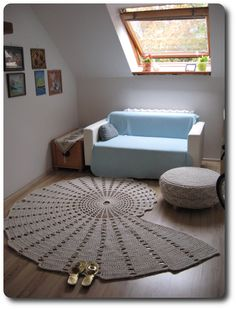 Seashell carpet: 210 x 170 cm, 1150 meters of cotton twine (5 mm thick), weighs 5.5 kilos, took me 8 hours of crocheting using a 10 mm crochet hook.
