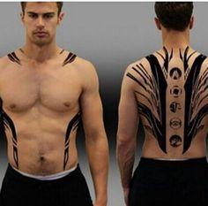 Theo James -four Back Tattoos, Body Art Tattoos, Tribal Tattoos, I Tattoo, Sleeve Tattoos, Tattoos For Guys, Tatoos, Men Tattoos, Tatouage Divergent