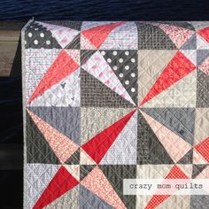 Welcome to finish it up Friday!   I have another finished quilt to share this week....that makestwo in a row! Hurray for the structure that...