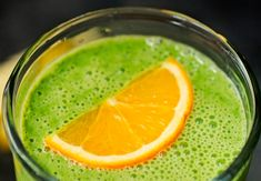 Banana smoothie with blender - Clean Eating Snacks Smoothie Prep, Juice Smoothie, Smoothie Bowl, Smoothie Recipes, Easy Healthy Recipes, Healthy Drinks, Snack Recipes, Broccoli Pesto, Veggie Smoothies