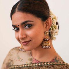 Actress Keerthi Suresh New Saree Photoshoot Tamil Actress Photos, Indian Film Actress, Beautiful Indian Actress, Best Actress, Beautiful Actresses, Indian Actresses, National Film Awards, Saree Photoshoot, Actress Wallpaper