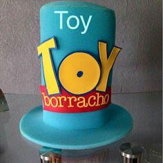 Toy borracho. Marina Gonzalez · gorros locos y cachuchas 491a497555d