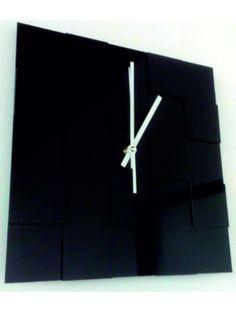 Moderní nástěnné hodiny - Maira Kód:  X0048-Modern wall clock Stav:  Nový produkt  Dostupnost:  Skladem  Přišel čas na změnu! Dekorační hodinky oživí každý interiér, zvýrazní šarm a styl Vašeho prostoru. Zůtulní realít s novými hodinami. Nástěnné hodiny z plexiskla jsou nádhernou dekorací Vašeho interiéru.