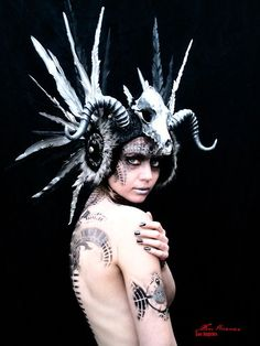 Miss G Designs spiked headdress post-apocalyptic, tribal look . Miss G Designs spiked headdress po Performance Kunst, Tribal Looks, Foto Fashion, Gothic Fashion, Tribute, Dark Beauty, Gothic Beauty, Post Apocalyptic, Hippie Man