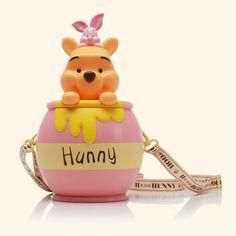 Size: 155 x 155 x 270 (mm) Material: ABS Photo credit: Korea CGV Official Website Winnie The Pooh Nursery, Disney Winnie The Pooh, Disney Diy, Cute Disney, Disney Land, Disney Stuff, Disney Popcorn Bucket, Mickey Mouse Steamboat Willie, Disney Souvenirs