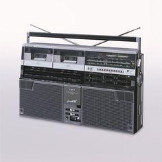SHARP_世界初 Wラジカセ 1979(昭和54年)