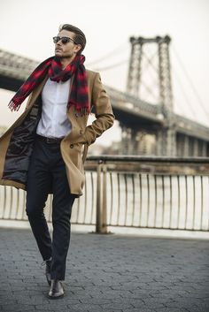 Zara Coat | Uniqlo shirt | Topman scarf | Paul Evans shoes | Outfit details at http://iamgalla.com/2014/12/east-river/