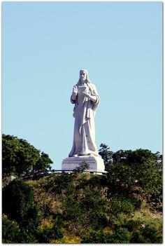 Detalle del Cristo de La Habana. Statue Of Liberty, Greek, Art, Christ, Havana, Sculpture, Statue Of Liberty Facts, Art Background, Statue Of Libery