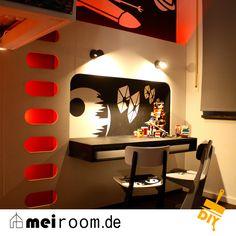 DER SCHREIBTISCH IM STAR-WARS-LOOK www.meiroom.de #Kinderzimmer #kidsroom #Schreibtisch #desk #Inneneinrichtung #interiordesign #meiroom #diy #starwars #heroes #Helden