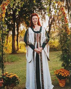 Medieval Ireland Clothing | traditional Irish bride wore a blue wedding dress rather than white ...