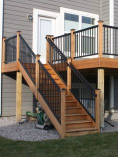 Go with Royal Railings for Short Lead Times: We can manufacture railing panels on demand in minutes. We have the fastest order fulfillment times in the industry. Railings For Steps, Wood Railings For Stairs, Metal Deck Railing, Outdoor Stair Railing, Deck Steps, Patio Deck Designs, Balcony Design, Patio Design, Deck Balustrade Ideas