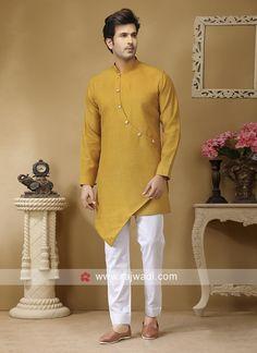 Gents Kurta Design, Boys Kurta Design, Indian Men Fashion, Mens Fashion, Boho Fashion, Latest Kurta Designs, Pathani Kurta, Kurta Pajama Men, African Dresses Men