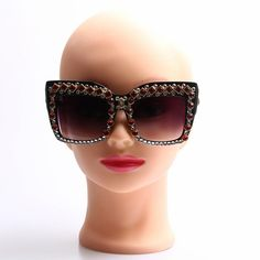 Luxury Women Sunglasses 2017 Bling Rhinestone Sunglasses Vintage Shades Ladies Oversize Sunglasses Oculos De Sol Feminino