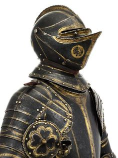Armor of Constable Anne de Montmorency (1493-1567). made in 1550. Height: 1.72m, Length: 0.78m ...detail