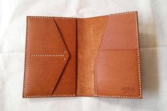Handmade item (Made to Order) Colour: Brown/ Black Material: Veg Tanned Leather Description: 2 card slots, 1 sim card slot (mobile phone Handmade Leather Wallet, Leather Gifts, Leather Art, Leather Design, Money Clip Wallet, Wallet Pattern, Leather Projects, Small Leather Goods, Leather Accessories