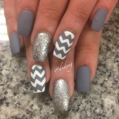 IG@dndang awesome grey chevron manicure. #nailpolish
