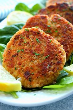 Lemon Garlic Tuna Cakes Recipe - the best and easy patties made with canned tuna, lemon juice and zest, garlic, onion, breadcrumbs, eggs, mayo and shredded Parmesan. Quick and delicious tuna cakes for lunch or light dinner!