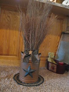 "Rusty Milk Can Twigs- hmmm thinking this with ""cat tails' fountain grass. like the round carpet underneath Rustic Crafts, Country Crafts, Primitive Crafts, Country Primitive, Country Decor, Rustic Decor, Farmhouse Decor, Rustic Vases, Primitive Kitchen"