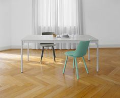 Houdini chairs and Frankfurt table frome15