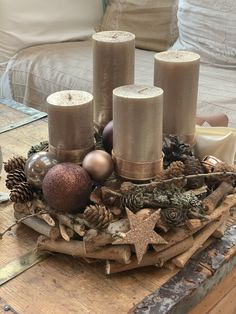 Latest Photo christmas Soy Candles Suggestions Taking into consideration the thought of transforming into a luminous made of wax machine as well as Halloween Mesh Wreaths, Christmas Wreaths, Christmas Decorations, Christmas Christmas, Christmas Presents, Xmas, Mason Jar Candles, Soy Candles, Homemade Scented Candles