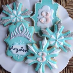 pictures of decorated snowflake cookies - Yahoo Image Search Results Olaf Cookies, Disney Cookies, Snowflake Cookies, Cookies For Kids, Iced Cookies, Cute Cookies, Cookies Et Biscuits, Cupcake Cookies, Sugar Cookies