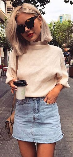#winter #outfits white turtleneck elbow-sleeved top. Pic by @laurajadestone.