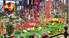 Willie Wonka Chocolate Factory. Why have they never put this in at Disney land or a tron ride Charlie Chocolate Factory, Wonka Chocolate Factory, Willy Wonka Factory, Candy Room, Candy Factory, Theme Tattoo, Trunk Or Treat, Candyland, Pure Products