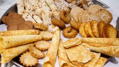 Foto: Heiko Junge Vintage Christmas Ornaments, Bread, Cookies, Holiday, Desserts, Nordic Kitchen, Scandinavian Kitchen, Cooking Recipes, Noel