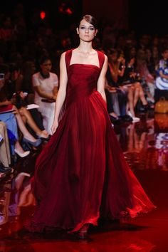 Elie Saab Haute Couture Fall 2013 - Fav Haute Couture Gowns for Fall 2013 - Fall Outfit Elie Saab Couture, Haute Couture Gowns, Style Couture, Couture Fashion, Runway Fashion, Couture Week, Couture Dresses, Evening Gowns Couture, Gothic Fashion