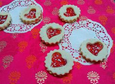sprinkleandglitter: cut out jam biscuits