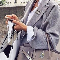 Obsessed 😍 (📷: pinstrest) • • • • • #birkin #ootd #Chanel #outfitoftheday…