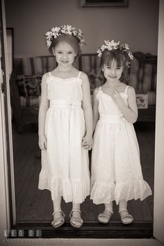 kids in doorway holding hands boys with arms on shoulders or similar 'masculine pose' Flower Girls, Flower Girl Dresses, Children Holding Hands, Wedding Ceremony, Wedding Day, Girl Standing, Wedding Photography Poses, Aesthetic Collage, Doorway