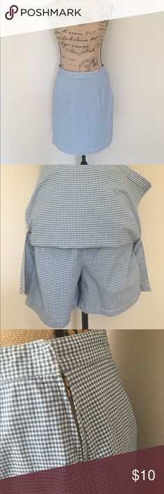 Liz Claiborne gingham skort Samantha says... • culottes and a skirt in one! • skirt flaps over the shorts/culottes beneath  • blue and white gingham pattern  • kind of vintage-y! • gold side zipper   Measurements: • please ask 😄  #blue #white #gingham #checked #skirt #culottes #shorts #zipper #sidezipper #size6 #lizclaiborne #checkered #spring #summer #casual #samtalee613 Liz Claiborne Shorts Skorts