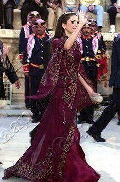 Queen Rania's Eveningwear Part 1: December 2003 - March 2007 ...