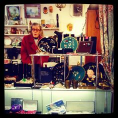 Lovely old dear nattering away at the #kooky #HaynesLane #Market in #CrystalPalace get the Kooky #London #App http://bit.ly/11XgicP #ig_London #igLondon #London_only #UK #England #English #British #iPhone #quirky #odd #photoftheday #photography #picoftheday #igerslondon #londonpop #lovelondon #timeoutlondon #instalondon #londonslovinit #mylondon #fleamarket #Padgram