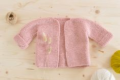 Crochet Baby Sweaters, Knitted Baby Blankets, Baby Knitting, Knit Crochet, Cardigan Bebe, Baby Cardigan, Bebe Baby, Baby Vest, Couture