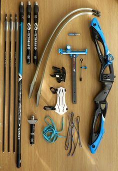 Crossbow is a commonly used tool for hunting and survival purposes. You should choose a quality crossbow and need to learn some skills to use it correctly. Archery Bows, Archery Hunting, Bow Hunting, Armas Ninja, Recurve Bows, Ninja Weapons, Archery Equipment, Traditional Archery, Weapon Concept Art