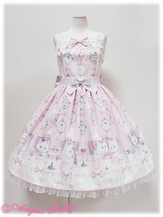 naoko-delicious:    Exclusive Angelic Pretty JSK *0*    It's soooo beautiful and so exclusive.. I can't stop crying T_T