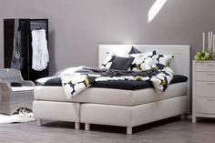 Kotimainen jenkkisänky, jolla sisustat yksilöllisen makuuhuoneen juuri sinun tarpeisiisi. Kaikki vuoteet räätälöidään asiakkaan toiveiden mukaisesti.