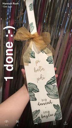 Sorority paddle // big & little // palm leaves by kendra Delta Phi Epsilon, Pi Beta Phi, Sigma Kappa, Theta, Tri Delta, Big Little Week, Big Little Gifts, Little Presents, Sorority Paddles