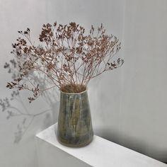 Hand-built glazed pot with Limonium Stoneware, Vase, Ceramics, Building, Beautiful, Home Decor, Ceramica, Pottery, Decoration Home