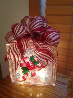 Crafty glass block ideas you will love! – Craft projects for every fan! Painted Glass Blocks, Decorative Glass Blocks, Lighted Glass Blocks, Christmas Glass Blocks, Christmas Wine Bottles, Christmas Crafts, Christmas Ideas, Christmas Centerpieces, Christmas Decorations
