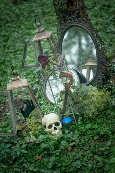 Happy Halloween, boys and ghouls! Today we have some holiday inspired weddings that are so fabulous, you'll be dying for an invitation. Our first event's creepy beauty will send you on a quest through the woods in search of it! Here's what event designer Laura Taylor of Gathered Events had to say about the eery …
