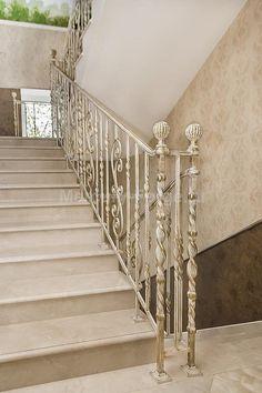 Ограждение лестницы из кованой стали - «Mercury Forge» #stairs #decor #home #grandeforge #tradition #mercuryforge #лестницы #ограждения #традиция #москва #дом #интерьер
