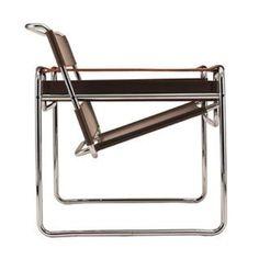 Nr. 1 Design stoelen top 100 Marcel Breuer ontwierp de Wassily stoeltussen 1925 en 1927. Volgens Wikipedia is het een fabel dat de stoel door Marcel Breuer werd ontworpenvoor het woonhuis van de beroemde Russisch-Franse expressionistische kuntstschilder Wassily Kandinsky in Dessau bij het Bauhaus. De stoel is pas decennia later Wassily stoel gaan heten, nadat  Read More →