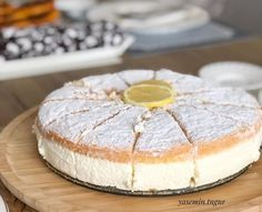 yemek I am here with the German cake recipe today. It is named as Sahnetorte in Germany. German Cakes Recipes, Cake Recipes, Dessert Recipes, Desserts, Pasta Torte, Pasta Pie, Flaky Pastry, Mince Pies, Cream Cake