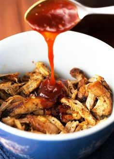 Low FODMAP & Gluten free Recipe - Pulled chicken with barbecue sauce & baked potatoes http://www.ibssano.com/low_fodmap_recipe_pulled_chicken_bbq_sauce_potato.html