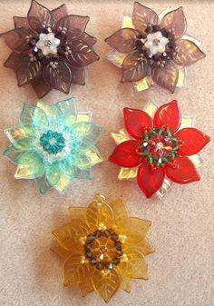 Lady Vera Flower Pendant #Seed #Bead #Tutorials